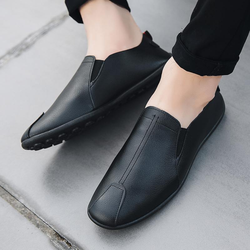 2019 الربيع والخريف قبعة صغيرة جديدة أحذية رجالية أحذية جلدية عارضة كسول الأحذية القماشية القديمة بكين الأحذية أزياء الرجال الكوري