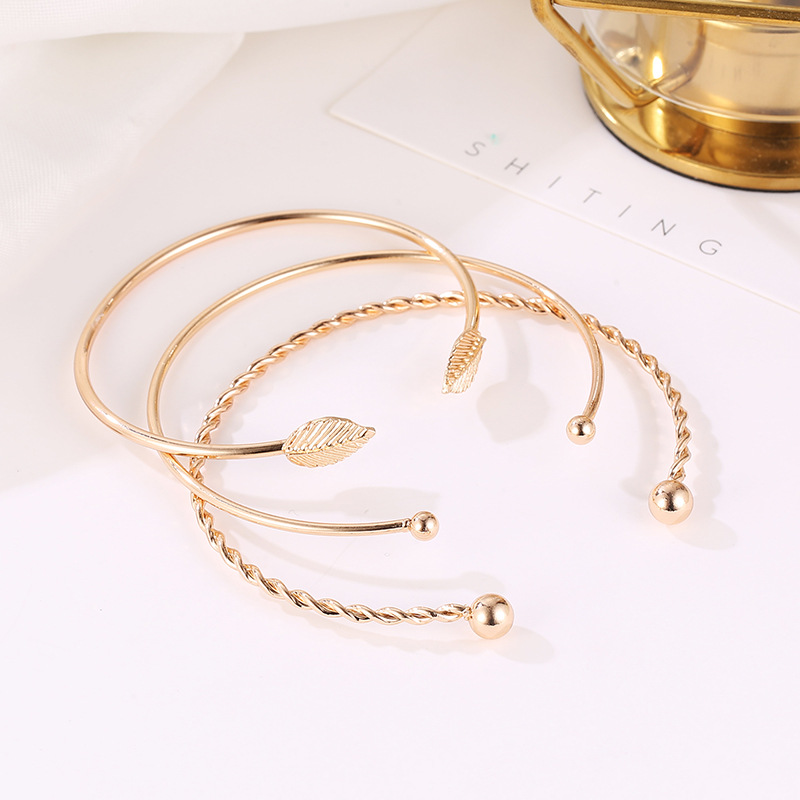 Fashion Twist Leaf Bangle Bracelet Geometry Open Bangle Wholesale NHCU197293