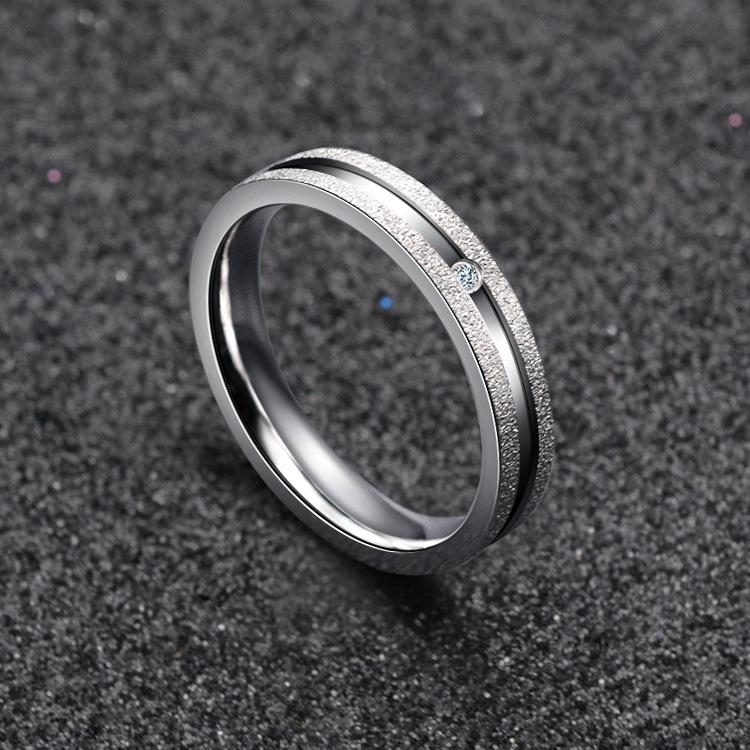 新款东莞瀚泽时尚简约不锈钢戒指 钛钢磨砂镶钻女戒指 饰品厂家直