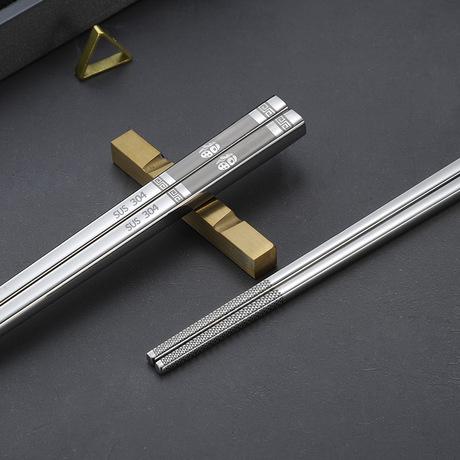 đũa thép không gỉ mạ vàng sáng 304 bán buôn đen anodized titan màu đũa vuông trượt Khách sạn Đũa