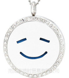 Emoji 316L stainless steel perfume essential oil pendant titanium steel hollow can open the aroma box clavicle