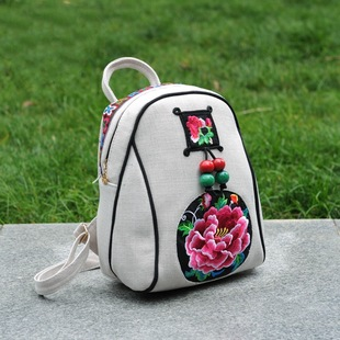 Factory direct batch new Yunnan ethnic style white linen embroidery bag embroidered backpack retro canvas bag linen bag