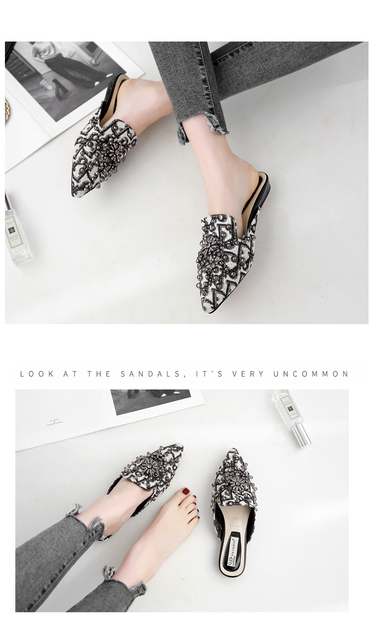 Spring and summer flat sandals with pointed rivets and metal buckles NHHU198558