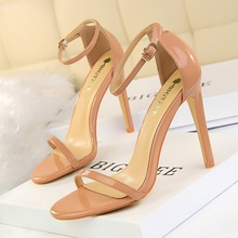 126-10欧美风时尚超高跟漆皮露趾一字带凉鞋夏季性感夜店女高跟鞋