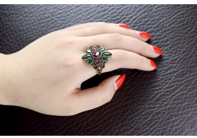 Fashion vintage gem hollow pattern ring high-end floral bracelet NHLJ195250