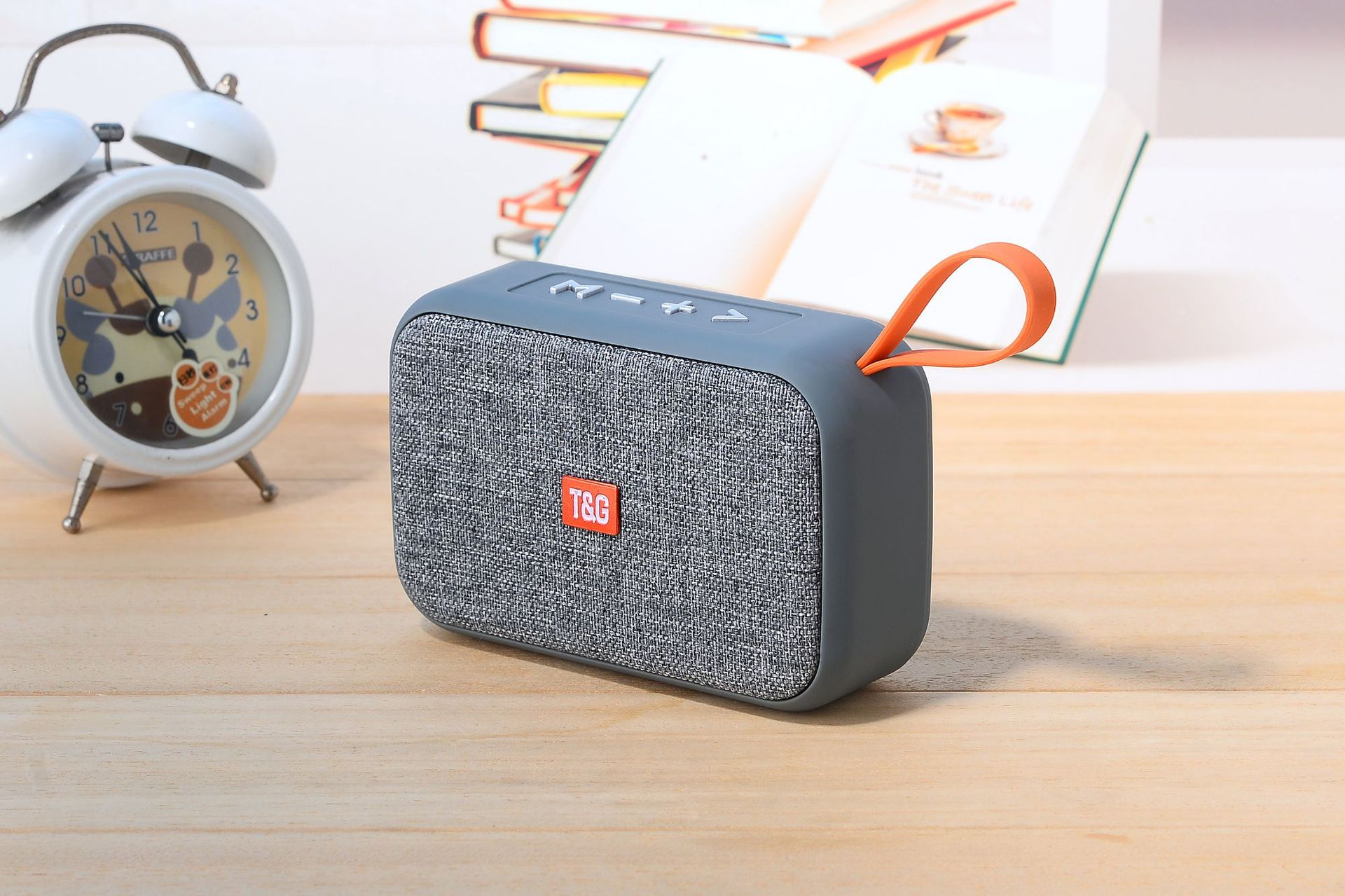 2019 Speakers Wireless Bluetooth Speakers Portable Card SoundBox Disk Fabric Portable Wireless Gift Mini Mini Audio With Package From Garenzuo, $20.11