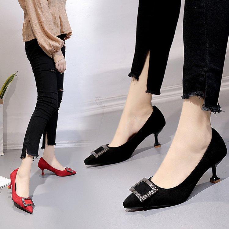 明星同款婚鞋水钻方扣尖头高跟鞋细跟浅口女单鞋四季新款女鞋