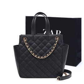 The new female bag fashion chain bag is simple and easy to build, slanting handheld one-shoulder rhomboid bag