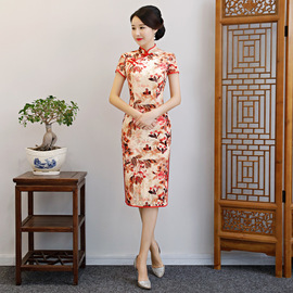 Autumn dress for the wedding mother-in-law dressed in a long velvet improved cheongsam wedding banquet dress