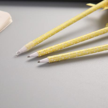 Vịt nhỏ màu vàng hoạt hình biểu hiện khóc cười bút bi sang trọng bút ký bút thưởng quà tặng sinh viên bán buôn