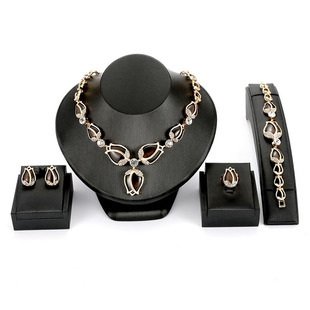 European and American fashion wedding accessories rose flower necklace earrings jewelry four-piece set foreign trade source factory direct sales