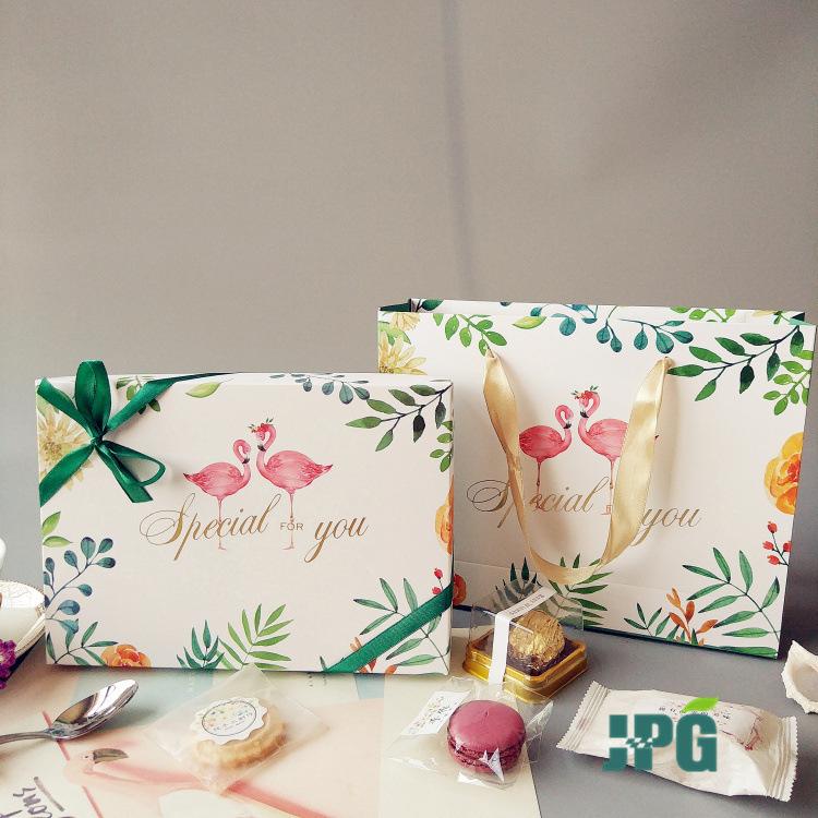 火烈鸟6粒80克中秋蛋黄酥包装盒Ins雪花酥雪媚娘月饼包装盒子礼盒