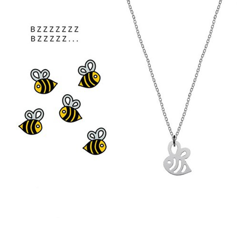 Hollow small bee necklace colorplated gold and silver cute little insect pendant necklace clavicle chain NHCU189050