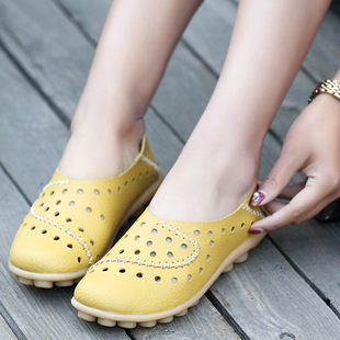 35-44 size summer leather shoes large size mother women's shoes casual bird's nest hole shoes flat heel peas shoes breathable