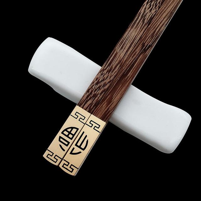 Cao cấp khách sạn cung cấp nhà máy wenge trực tiếp đầu đỏ đũa gỗ đàn hương từ phước lành kim loại có thể được tùy chỉnh biểu tượng Đũa