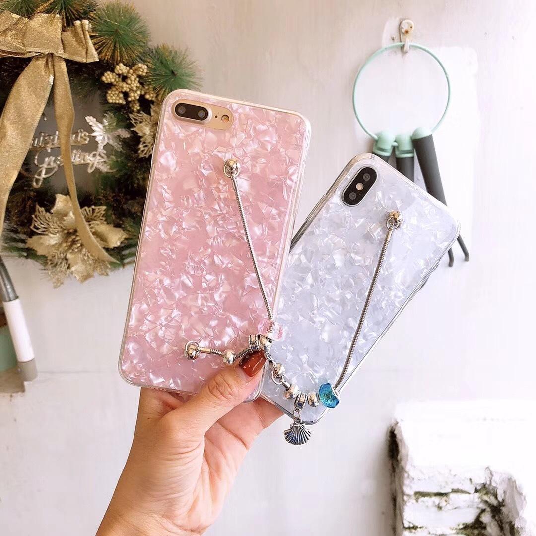 Fashion Hardware Bracelet iPhoneXR 8plus Shell Pattern Protection Soft Case R15 Apple 6S 7 Phone Case X20