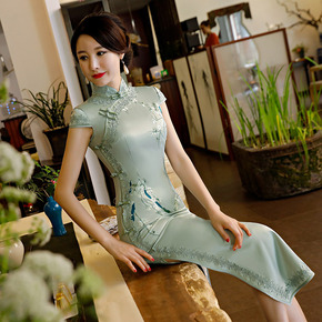 Popular autumn and winter new style retro silk embroidery improved cheongsam dress daily sweet long slim cheongsam
