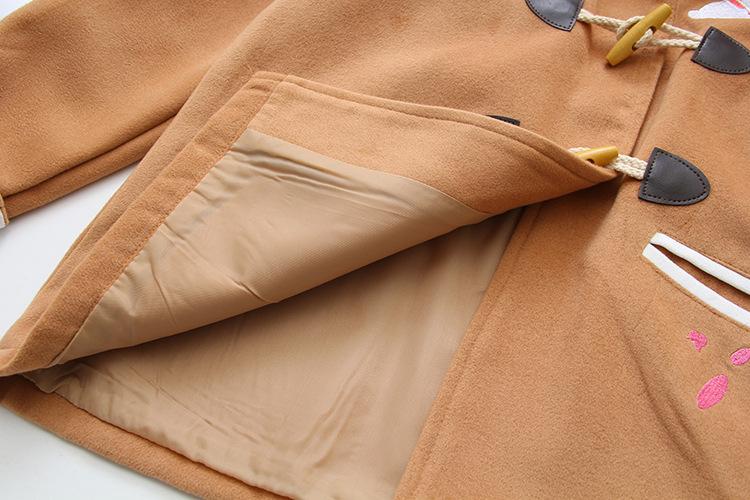 Áo khoác dạ đính tai thỏ nút gỗ