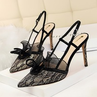 313-5 European and American high heeled shoes, fashionable and sexy banquet, thin shoes, high heels, lace, hollowed sandals.