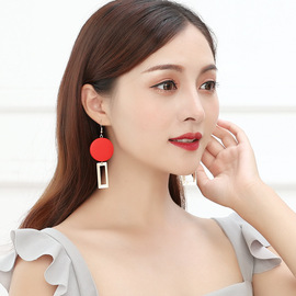 Europe and the United States nightclub wind street shot earrings temperament retro red wood square geometry stitching personality delicate earrings
