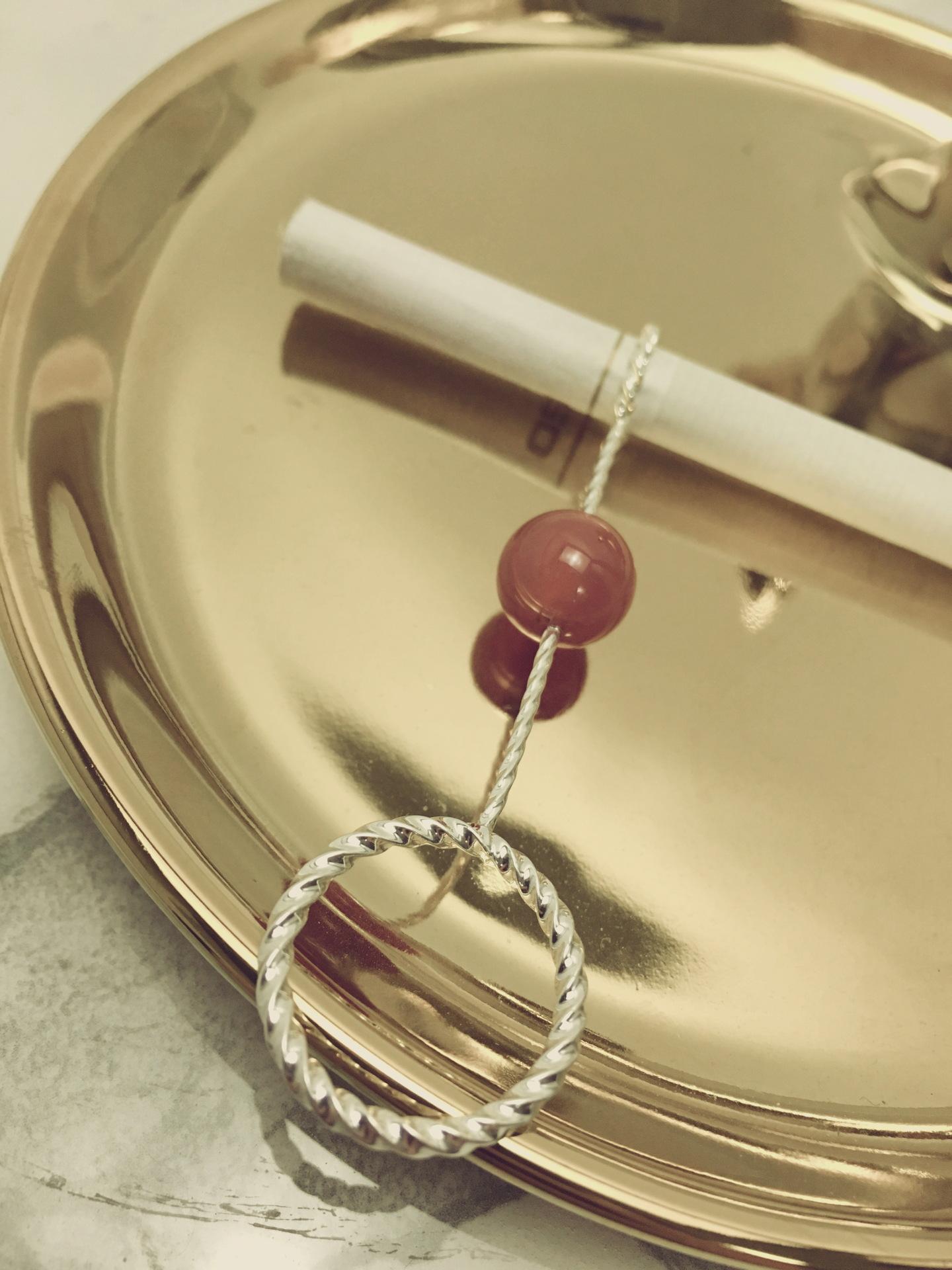 烟托戒指男士抽烟指环架托烟嘴创意个性红绿蓝色珠子宋佳同款