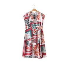 2018夏季新款欧美风复古气质红方块印花连身中长裙短袖V领连衣裙