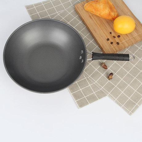 Nhà máy nhà món quà trực tiếp đầy đủ cho gia đình cổ điển ba mảnh phù hợp với nồi nồi chảo không dính chảo đáy phẳng quà khuyến mãi Bộ dụng cụ nấu ăn