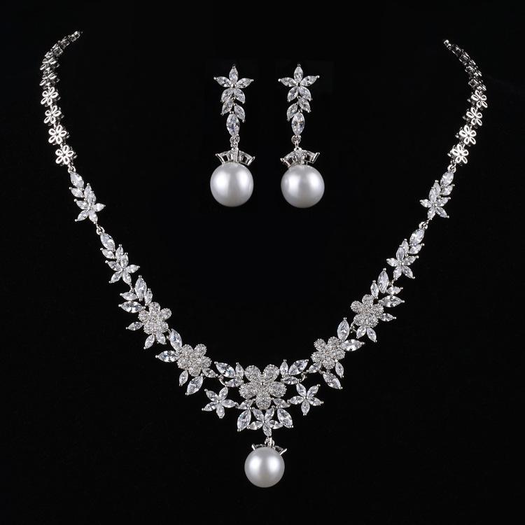 从萱珍珠项链套装新娘轻奢项链女欧美高档锆石结婚季饰品套装批发