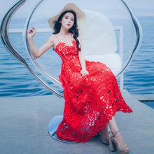 實拍夏季新款復古紅色吊帶蕾絲連衣裙露背高腰旅拍度假長裙女