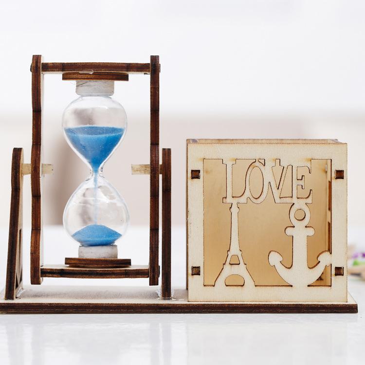 15-4镂空沙漏笔筒组合 30秒沙漏计时器 木质工艺学生礼物书房桌面