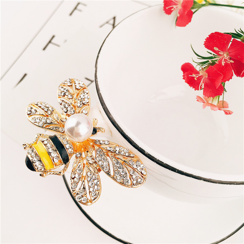Alloy Fashion Animal brooch(yellow) NHVA4923-yellow