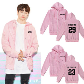 Wanna one ginger Daniel with a pink zipper jacket cardigan hooded sweater plus velvet aids