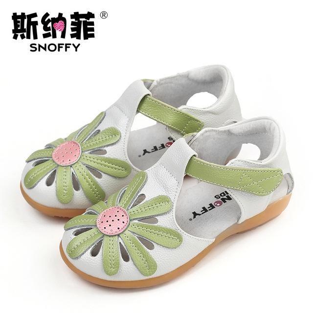 Giày snaf trẻ em nữ giày dép da Baotou giày công chúa Mùa hè trẻ em mới dép trẻ em Dép trẻ em