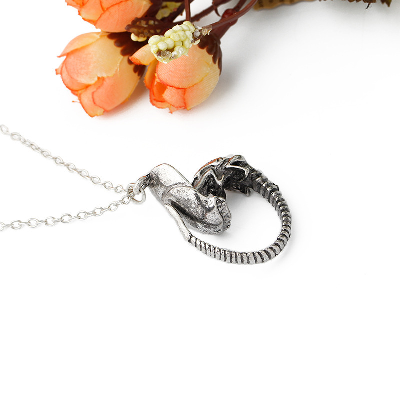 Explosion Monster Pendant Necklace Movies Periphery Heterosexual Personality Retro Dragon Necklace Accessories wholesale nihaojewelry NHMO219294
