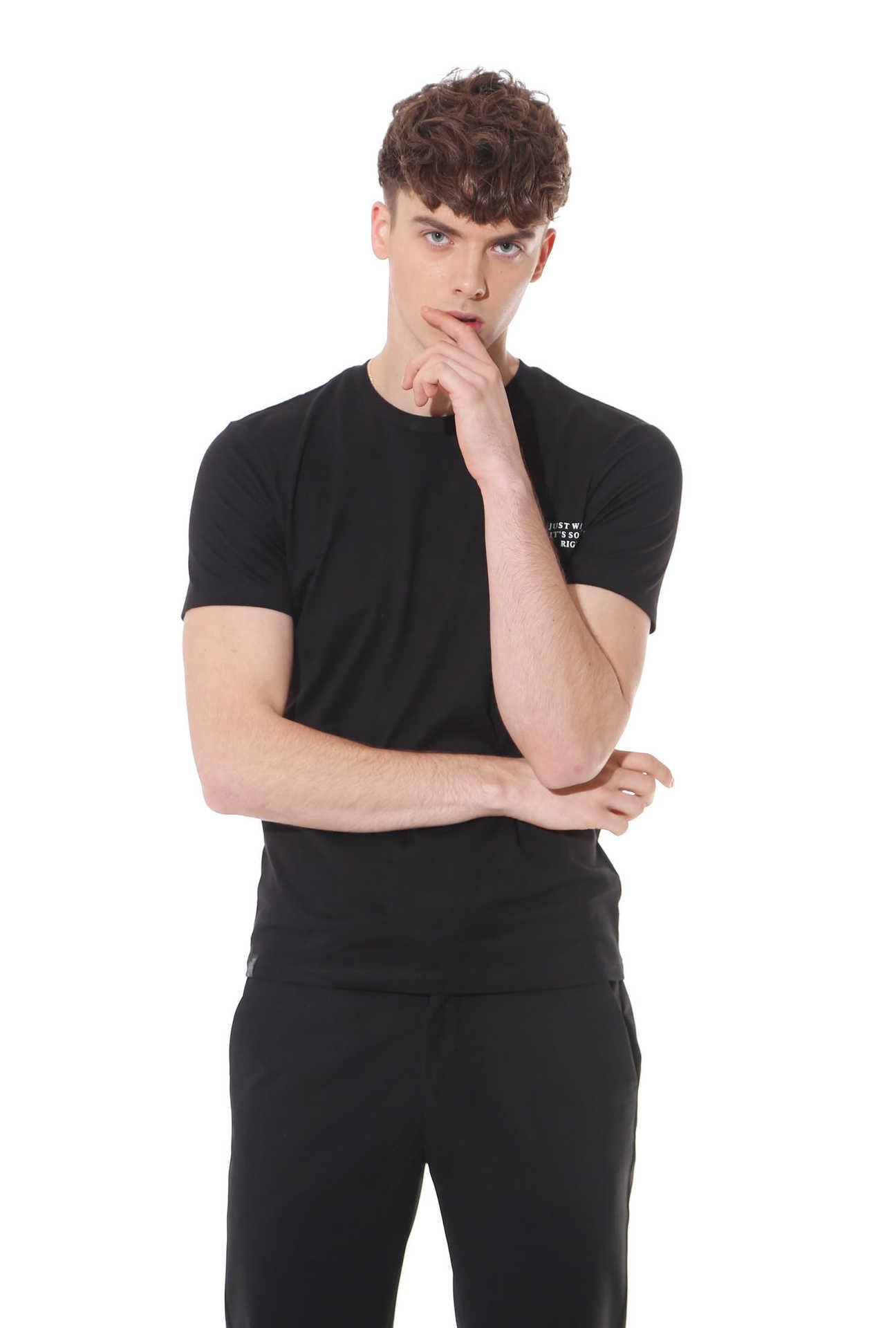 目前佐纳利品牌服饰销量怎么样 ZENL风尚男装服饰投资资讯