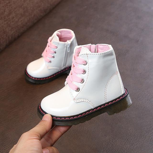 Giày trẻ em cô gái ủng trẻ em Martin ủng ngắn mùa thu và mùa đông cộng với nhung cậu bé không thấm nước tuyết đôi giày trẻ em thủy triều nhỏ Giày cao cổ