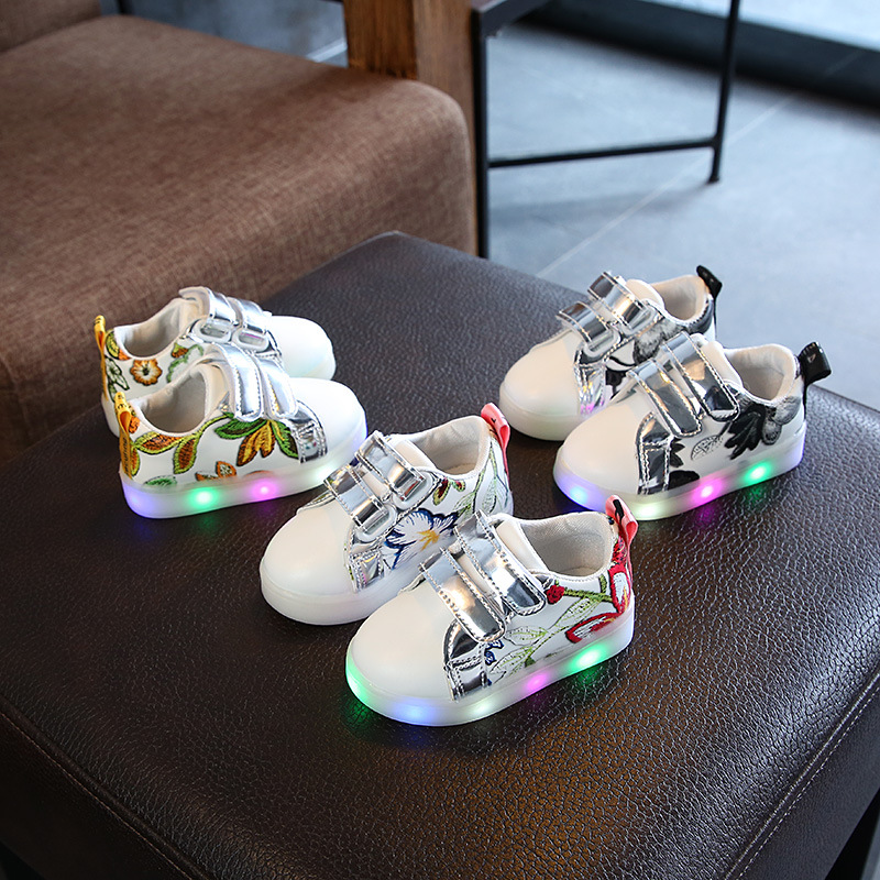 Children's Luminous Shoes 2019 Casual Shoes Children's Shoes Boys And Girls Colorful Luminous Shoes Led Flash Medium Children's Shoes