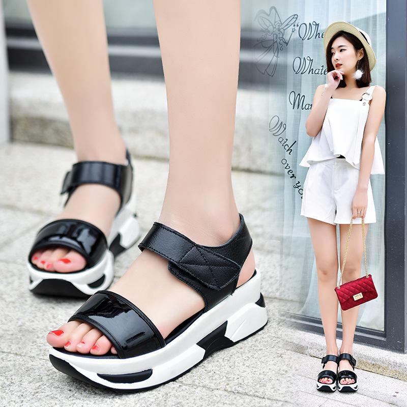 跨境夏季新款休闲凉鞋魔术贴真皮女凉鞋百搭厚底高跟凉鞋一件代发