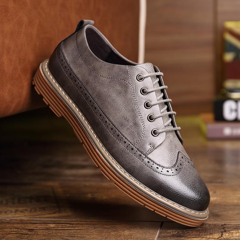 厂家直销春季男士皮鞋青年时尚布洛克男鞋牛筋底系带潮鞋一件代发