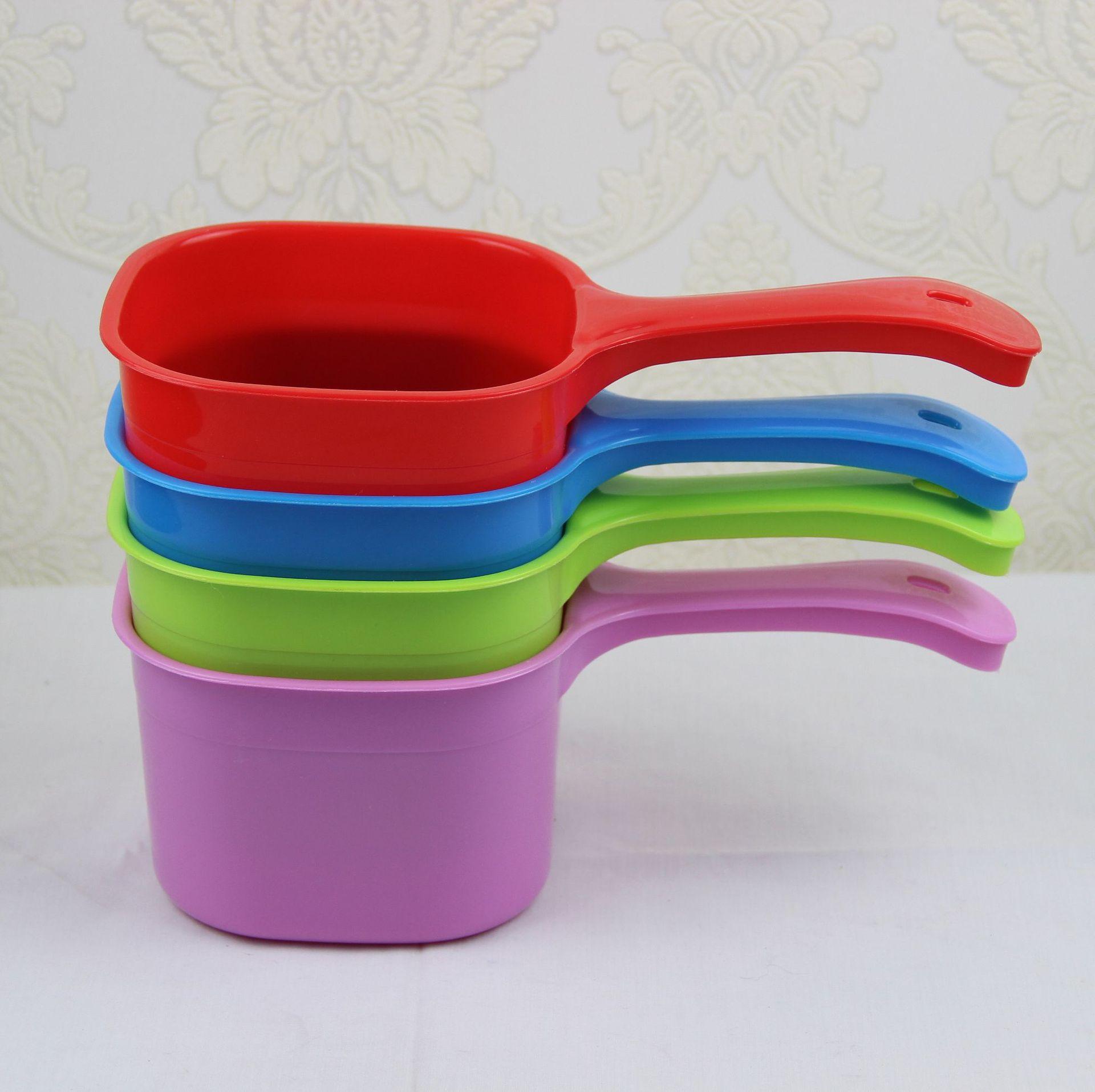 批发加厚耐摔塑料水勺家用厨房塑料 水瓢2元彩色熟料水舀地摊百货