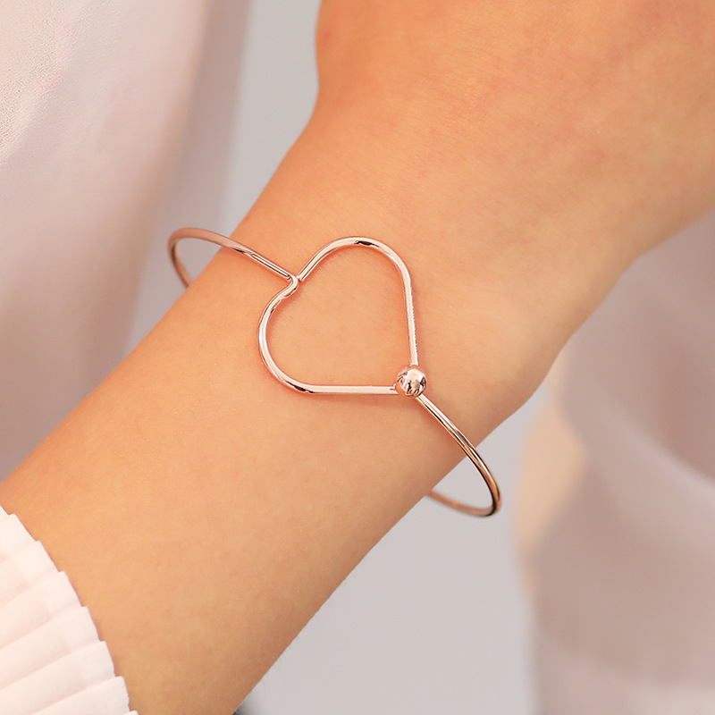 Fashion jewelry Korean simple metal wild accessories when decorated with peach heart bracelet opening bracelet women NHDP203052