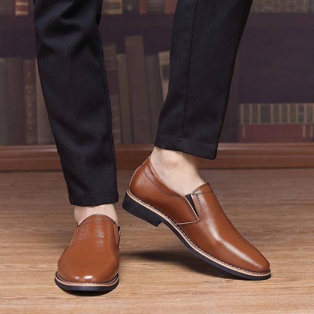 新款春季男士皮鞋商务休闲鞋英伦正男鞋单鞋圆头套脚鞋子一件代发
