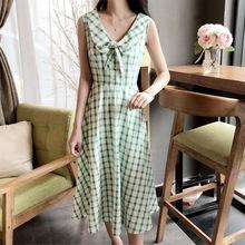 2020夏季新品momo網紅同款小清新綠色方格娃娃領無袖連衣裙中長裙