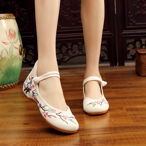 Hanfu huanque lace up Chinese folk dance hanfu embroidered shoes upgrade thickened rib soled national square shoes