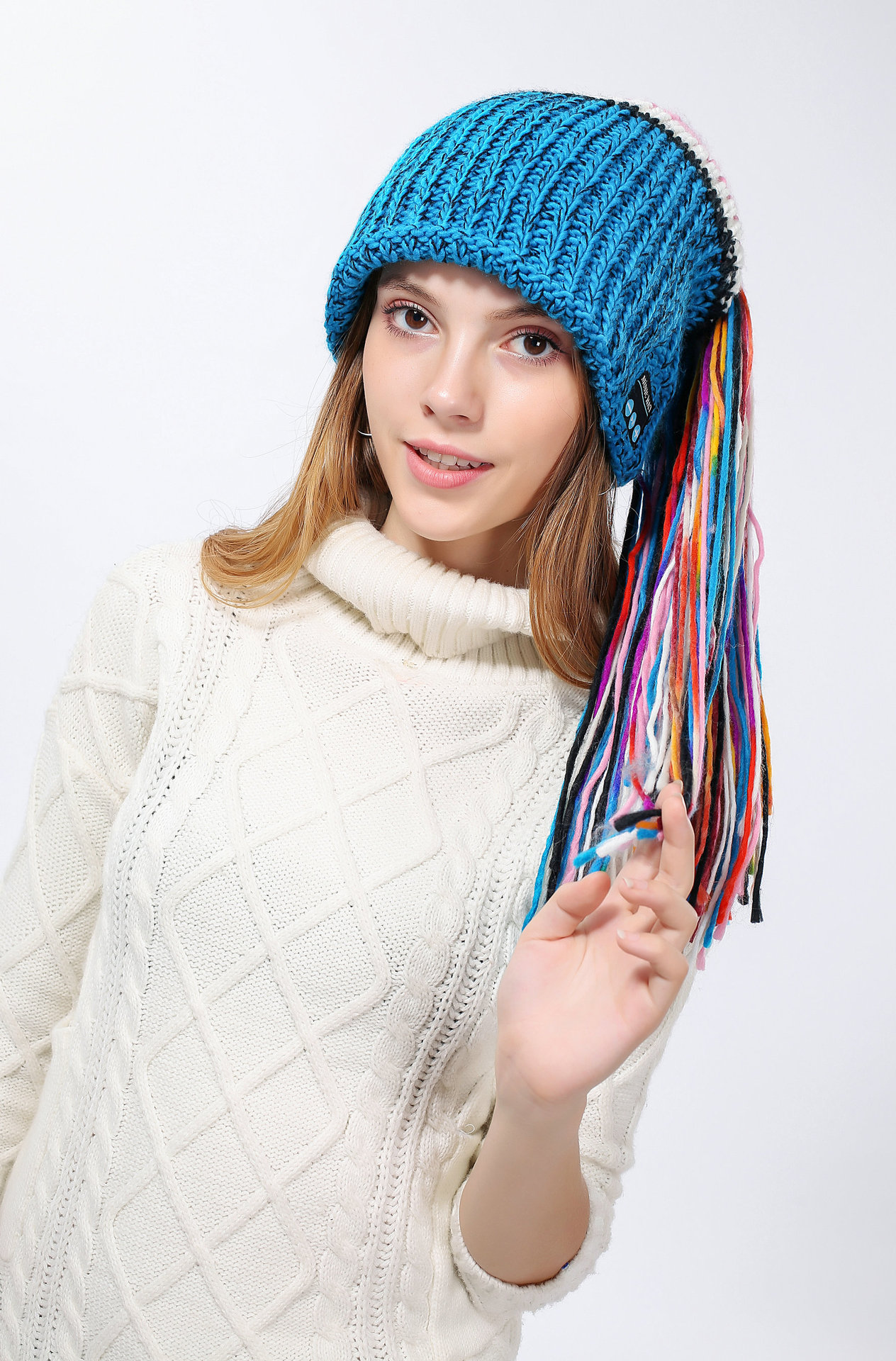 Apparel - Chic Winter Warm Knit Bluetooth Beanie with Wireless Headphone Headset for Outdoor Sport