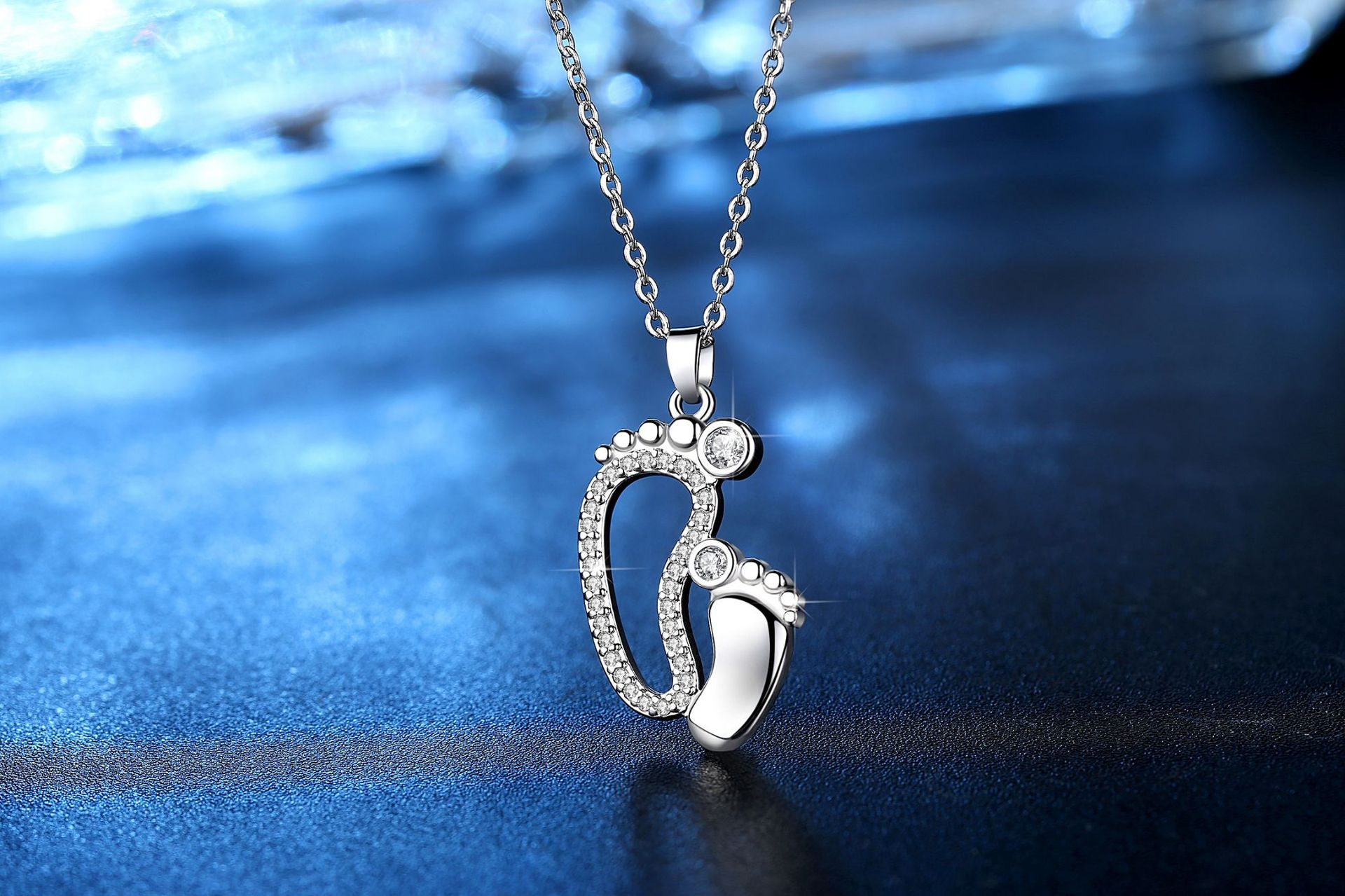 New fashion big feet and small feet pendants Mother's Day family necklace wholesale NHKN208016