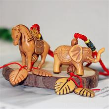 立体大象仿桃木手机钥匙扣挂件 骆驼挂件厂家直销批发