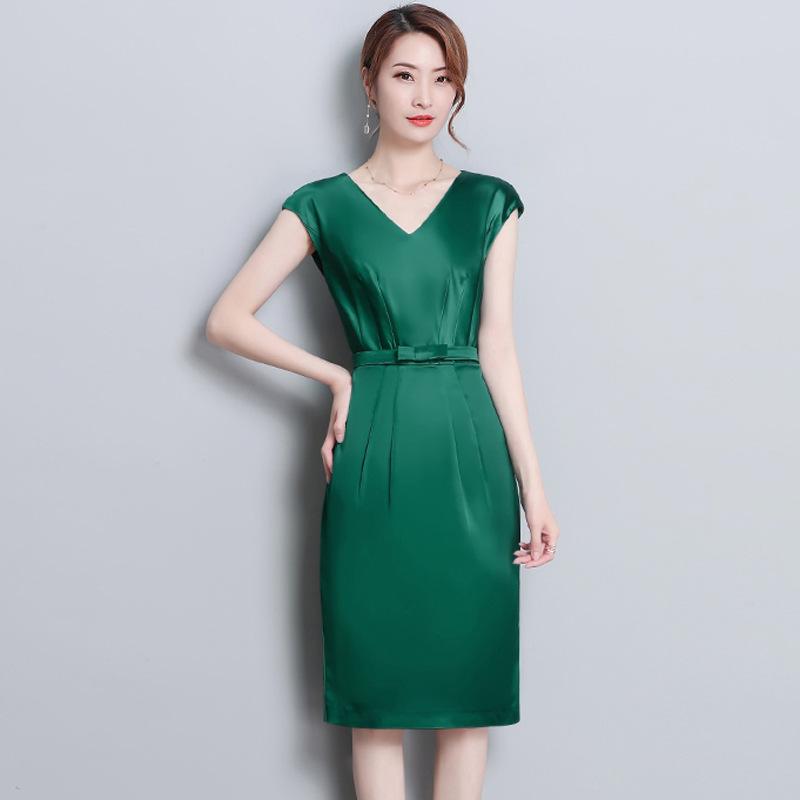 2020夏装新款欧美时尚女装无袖V领修身显瘦优雅中长款连衣裙纯色