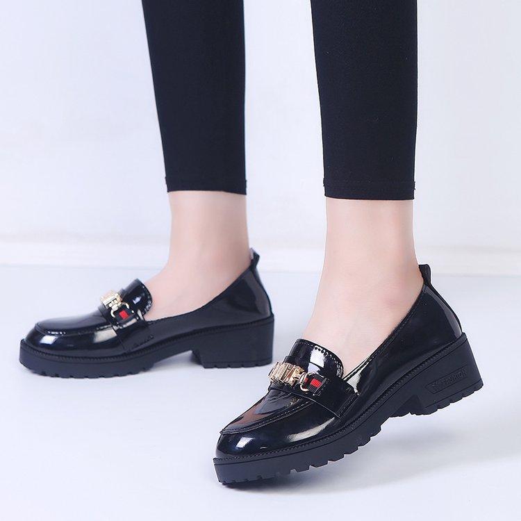 外贸皮鞋女韩版2019新款百搭学生单鞋休闲黑色鞋特大码41码46
