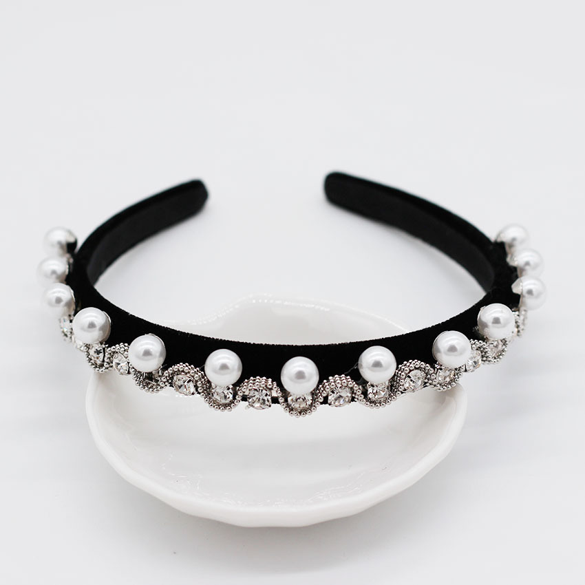 Fashion metal geometric full rhinestone beads leaf retro headband NHWJ128475
